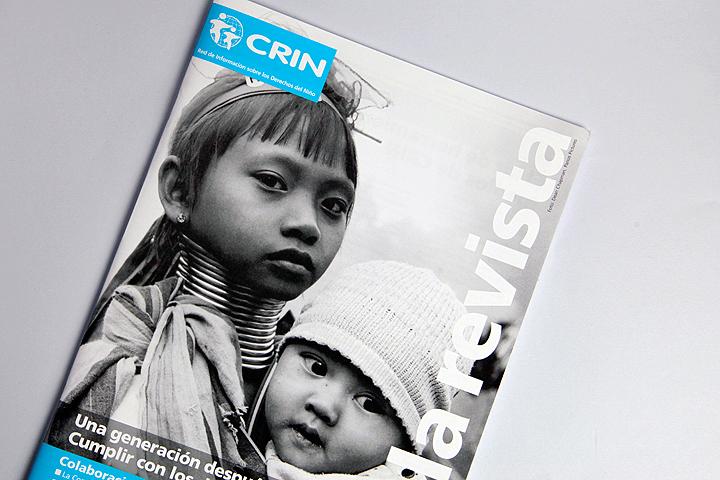 La Revista magazine front cover design